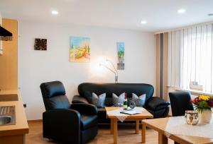 A seating area at Haus Gunda