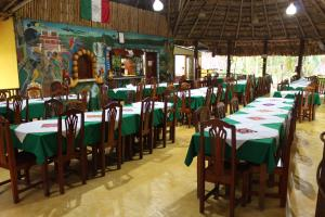 A restaurant or other place to eat at Hotel Nueva Alianza
