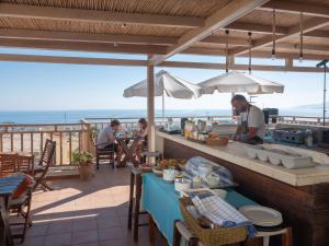 A restaurant or other place to eat at Amazones Kalimera Village