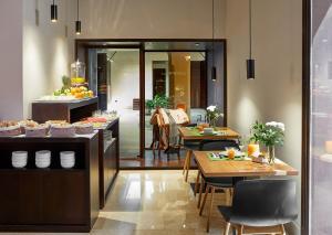 Un restaurante o sitio para comer en Hotel Posada del Lucero
