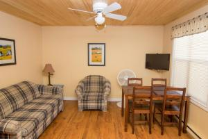 A seating area at Jake & Jo's Cottages