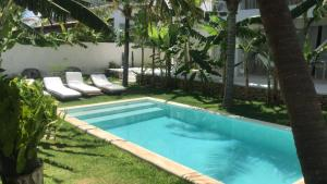 The swimming pool at or close to Vilamaré