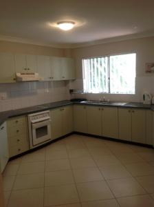 A kitchen or kitchenette at Bayview, Unit 6 - The Entrance, NSW