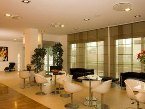 Lounge oder Bar in der Unterkunft Hotel Michelino Bologna Fiera