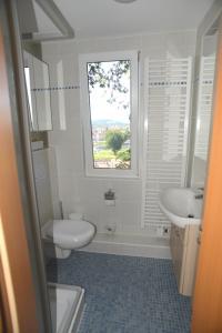 Ein Badezimmer in der Unterkunft Schöne Höhe