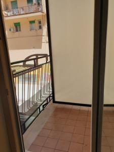 Un balcon sau o terasă la Al centro...stil...mono