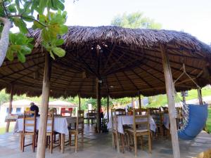 A restaurant or other place to eat at Pousada Trilha do Velho Chico