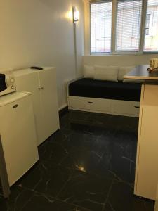 A bathroom at STUDIO 45 CROISETTE CANNES
