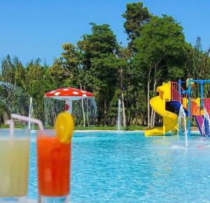 The swimming pool at or close to Apto Luxo Iloa Barra de São Miguel