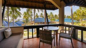 A balcony or terrace at Wyndham Sundancer Resort Lombok
