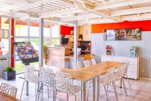 Restaurant ou autre lieu de restauration dans l'établissement Fasthotel Macon Nord