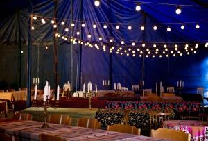 A restaurant or other place to eat at Cirkus Hostel Holken