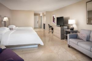 Doubletree By Hilton Grand Hotel Biscayne Bay Miami Updated 2021 Prices