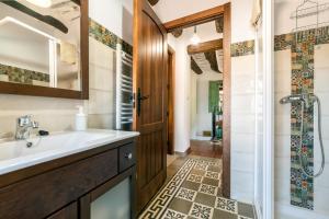 A bathroom at Casa Tita María
