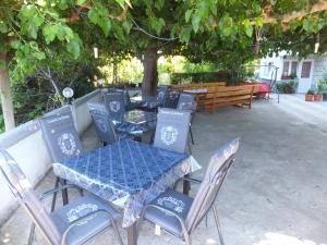 Ein Restaurant oder anderes Speiselokal in der Unterkunft Apartment Justić