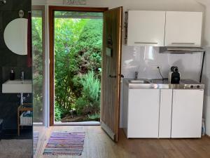 A kitchen or kitchenette at Ofenhaus