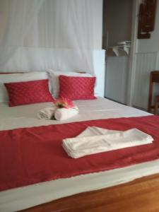 Кровать или кровати в номере Alkyonis Apartments