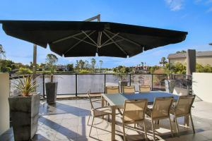 A balcony or terrace at Cypress Townhouse 21 - Mulwala