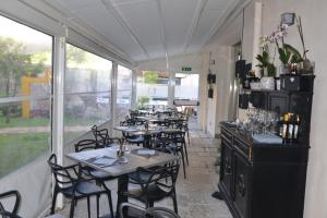 A restaurant or other place to eat at Palazzo Ducale Suites