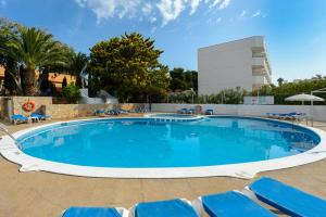 The swimming pool at or near Club La Noria