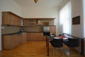 Luxury apartment near the Main station 주방 또는 간이 주방