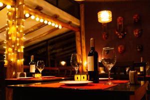 A restaurant or other place to eat at Casa de La Chola