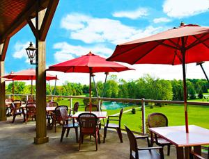 A restaurant or other place to eat at Oakwood Resort