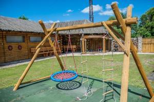 Ein Kinderspielbereich in der Unterkunft Penzion Eden