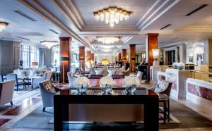 A restaurant or other place to eat at The Westbury Hotel