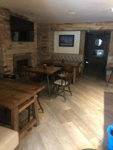 The lounge or bar area at Odddfellows Hotel Bar and Grill