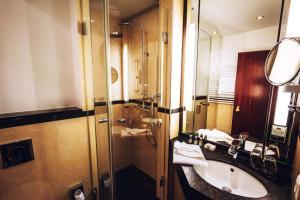 A bathroom at Der LIPPISCHE HOF