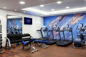 The fitness center and/or fitness facilities at Hilton Kyiv
