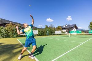 Tennis und/oder Squash in der Unterkunft Hotel Forellenhof oder in der Nähe