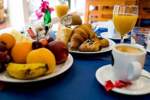 Breakfast options available to guests at Hotel Bersoca