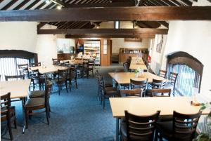 A restaurant or other place to eat at National Badminton Centre Lodge & Health Club