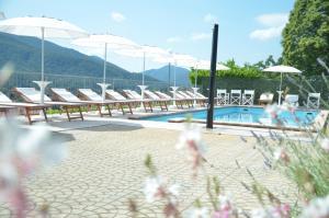 المسبح في فندق ريستورانتي ستامبا أو بالجوار