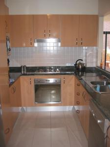 A kitchen or kitchenette at Crystal Views, Unit 4