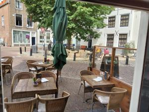Een restaurant of ander eetgelegenheid bij Le Penseur