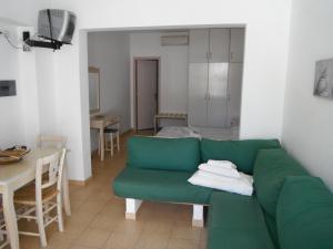 אזור ישיבה ב-Mandorla Apartments