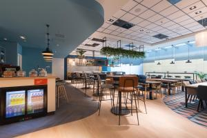A restaurant or other place to eat at Hampton By Hilton Utrecht Centraal Station