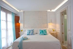 A bed or beds in a room at Turismo Interior Son Sant Jordi