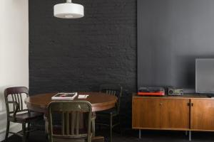 A kitchen or kitchenette at Ace Hotel New York