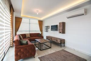 Гостиная зона в Elite Marine Residence apartment