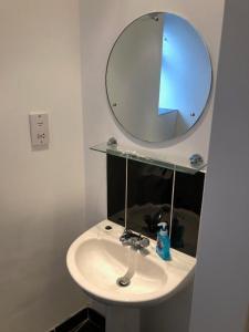 A bathroom at Hill Street Apartment