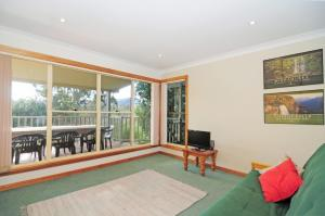 A seating area at Bonnie Doon - Family friendly home!
