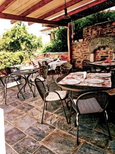Εστιατόριο ή άλλο μέρος για φαγητό στο Ξενώνας των χρωμάτων