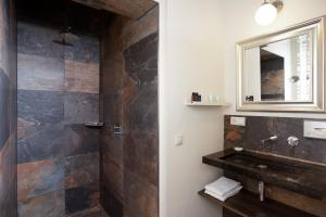 Ванная комната в De Gouverneur appartement