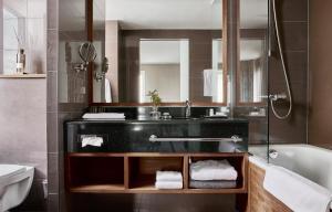 A bathroom at Hotel Haven
