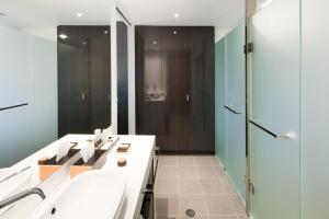 A bathroom at East Hotel and Apartments