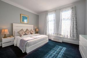 Postel nebo postele na pokoji v ubytování Congress Plaza Hotel Chicago